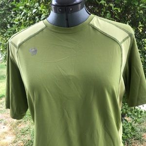 Men's  Mountain Hardwear short sleeve base layer